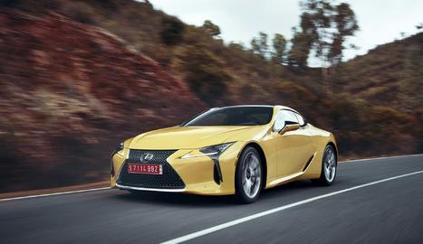 Incorpora  el Lexus Dynamic Handling, amb Sistema de Direcció amb Relació Variable.