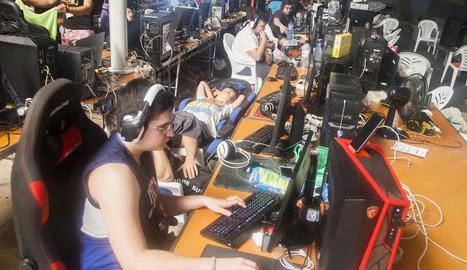 El cansament va fer efecte en algun dels participants de l'esdeveniment.