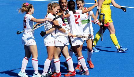 Jugadores de la selecció espanyola celebren un dels gols.