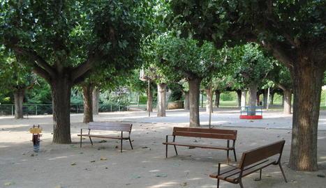 Un dels bancs que s'han instal·lat al parc.