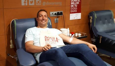 Un moment d'una donació de sang a l'hospital Arnau de Vilanova de Lleida.