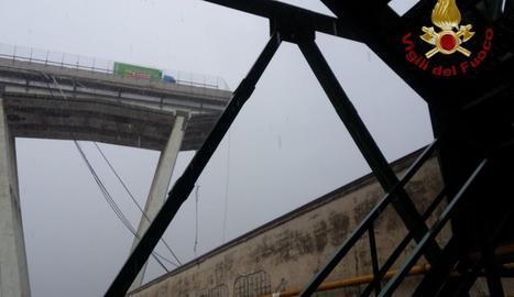 Es desploma el pont d'una autopista a Gènova