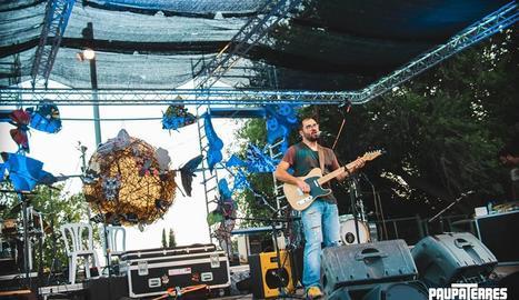 Un concert que va oferir el cantautor Ramon Martí, Fustegueres, al festival Paupaterres.