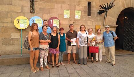 La presentació de l'activitat, ahir a la plaça Paeria.