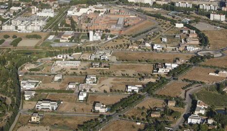 Vista aèria de Ciutat Jardí, amb l'heliport al fons.