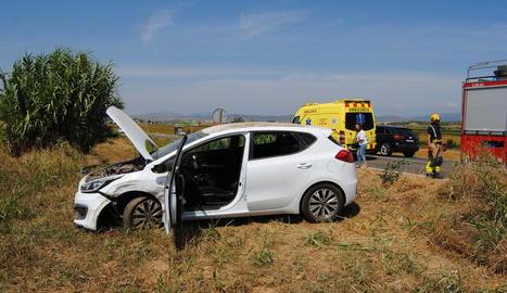 Estat en el qual va quedar un dels cotxes implicats en l'accident de Bellcaire d'Urgell.