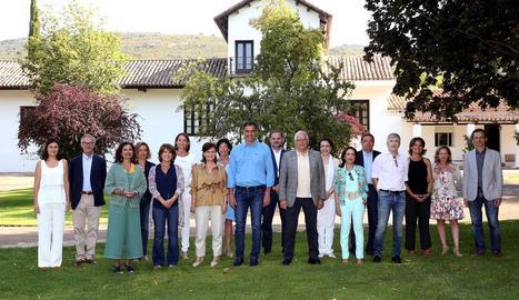 Pedro Sánchez i els seus disset ministres, reunits ahir a la finca toledana de Quintos de Mora.