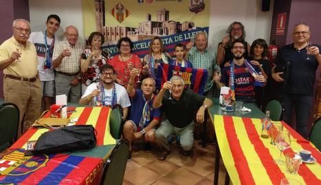 La Penya celebra el primer títol de la temporada: la Supercopa d'Espanya, aconseguida contra el Sevilla.