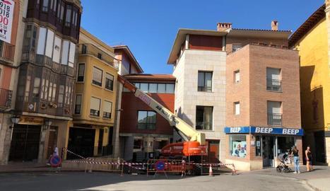 Les obres a la delegació del Govern d'Aragó a Fraga.