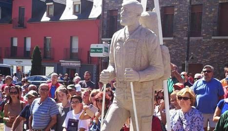 L'escultura, en l'acte inaugural celebrat diumenge passat.