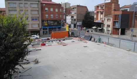 La reforma de la plaça de l'Ajuntament, en una imatge presa ahir.