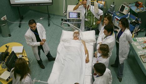 Un curs de donació i trasplantament d'òrgans.