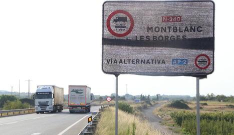 Trànsit preveu activar diumenge la desviació obligatòria de camions a l'AP-2