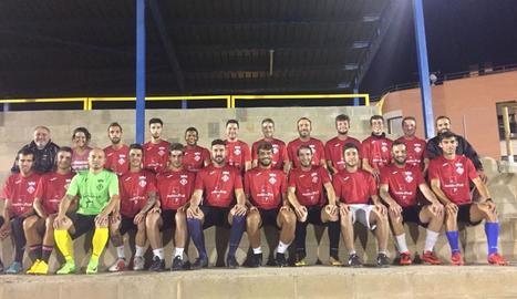 Plantilla amb la qual l'Alcoletge afronta la temporada del retorn a la Segona Catalana després de proclamar-se campió de Tercera.