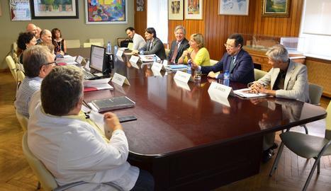 La consellera s'ha reunit amb el Comitè de Direcció Territorial i amb la Junta de Personal del centre.