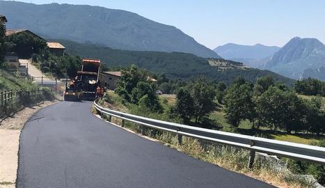 Els treballs de millora a la via de Gotarta ja acaben.