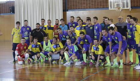 Els dos equips van posar conjuntament a Pardinyes.