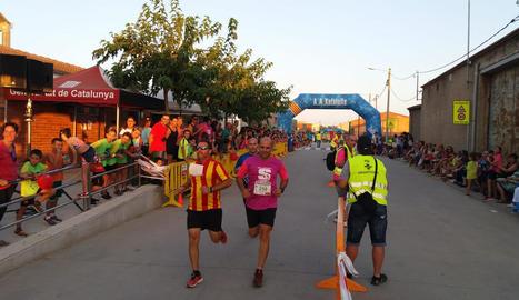 Un grup de corredors en un instant de la carrera.