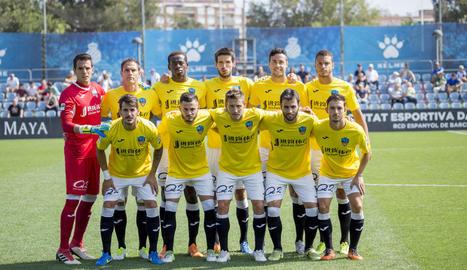 Formació inicial del Lleida Esportiu diumenge passat a la Ciutat Esportiva de l'Espanyol.