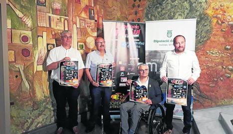 Jaume González, Mingo Sabanés, el vicepresident de la Diputació, Jordi Latorre, i Jordi Solé.
