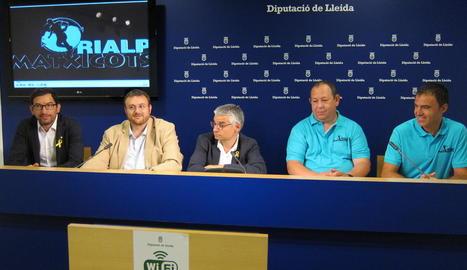 Autoritats i organitzadors ahir durant la presentació de la prova a la Diputació.