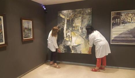 Tècnics del Museu de la Noguera ultimaven ahir el muntatge de l'exposició, que s'inaugurarà avui.