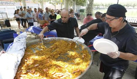 Unes 180 persones van participar al banquet que es va celebrar en el cinquè i últim dia de festa major.