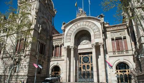 Vista de la façana de la seu del Tribunal Superior de Justícia de Catalunya, a Barcelona.