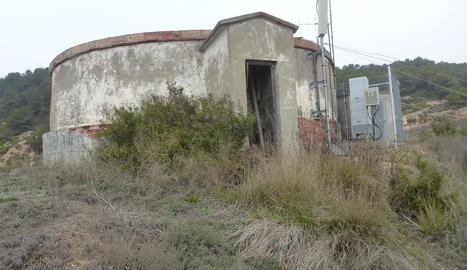 El dipòsit de Tarrés, construït a la dècada dels setanta.