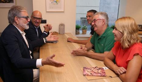 Larrosa i Peris s'han reunit amb els representants dels comerciants de la Zona Alta.