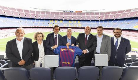 El consultor del COI Gilbert Felli, ahir al Camp Nou.
