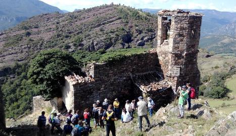 Participants en el curs sobre les antigues mines de carbó de Malpàs.