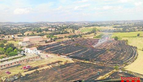 Un incendi calcina 33.000 metres quadrats de vegetació a Butsènit