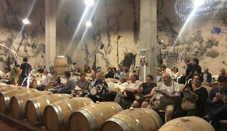 Públic del concert, dissabte passat al Mas Blanch i Jové.