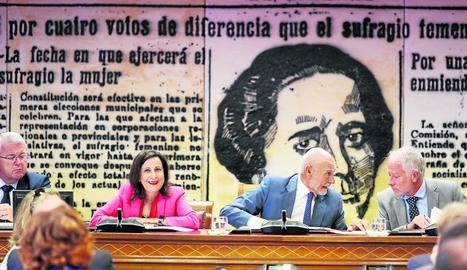 La ministra de Defensa, Margarita Robles, ahir al Senat.