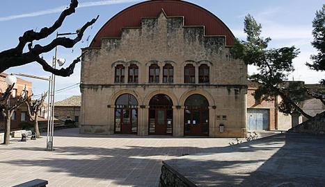 L'edifici municipal que acull serveis socials.