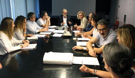 La primera reunió de la comissió de seguiment del pla Mariola 20.000.