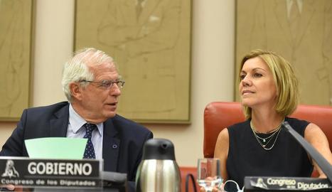 Josep Borrell i María Dolores de Cospedal, ahir.
