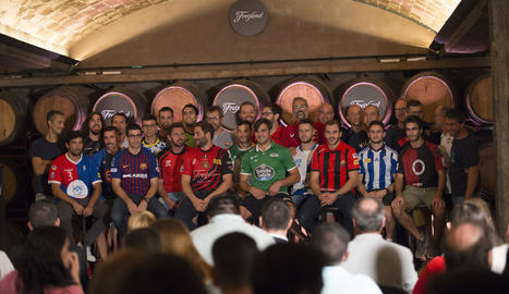 Les jugadores i els tècnics dels equips de l'OK Lliga Femenina.