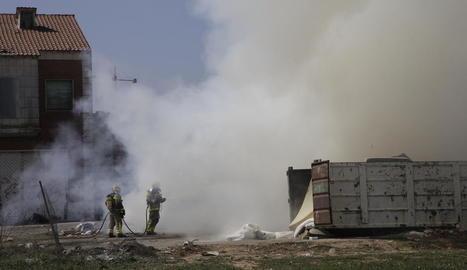 Alarma per un incendi a l'abocador de Pardinyes