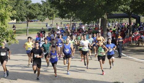 La sortida de la cursa Nosaltres també Podem, que va tenir lloc al Parc de l'Aigua.