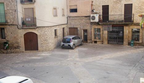 La plaça Major d'aquest municipi de la vall del Corb, una vegada finalitzades les obres.
