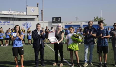 Vanessa Núñez, Sergio González, Mar Cortés, Abril Rodrigo Cortés i David Rodrigo, entre d'altres, ahir a l'homenatge a Dani Rodrigo.