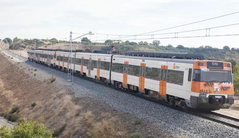 Un tren va anar a les 11.00 a remolcar el comboi avariat a Granyanella.