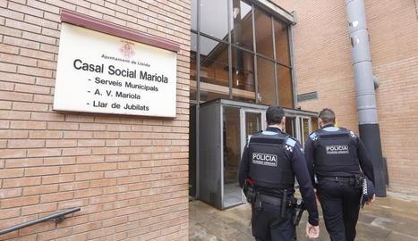 Larrosa ordena patrulles de la Guàrdia Urbana permanents a la Mariola i el Centre Històric