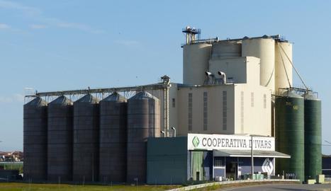 Imatge de l'edifici de la Cooperativa d'Ivars.