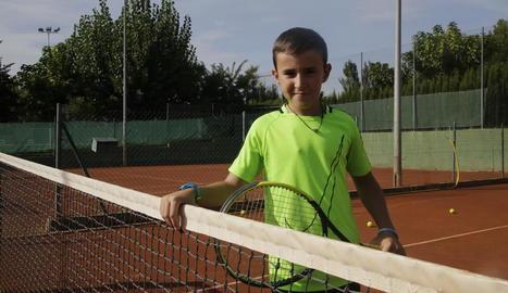 El Sergi Viles, ahir a les instal·lacions del Club Tennis Urgell abans de sortir avui cap a Mallorca.