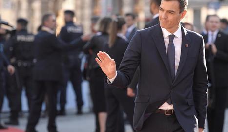 Pedro Sánchez a l'arribar a la cimera de caps d'estat de la UE.