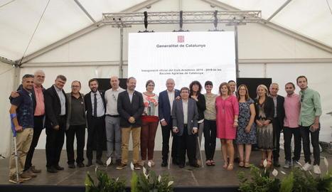 Els consellers d'Ensenyament i Agricultura, Josep Bargalló i Teresa Jordà, ahir, inaugurant el curs a l'escola agrària de Vallfogona.
