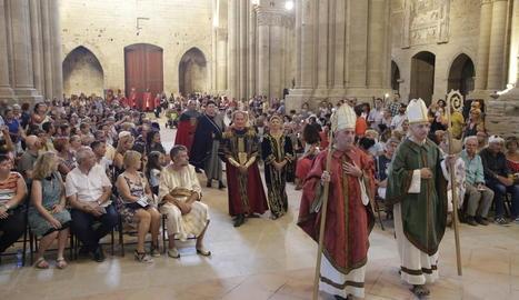 Un miler de persones van seguir ahir a la Seu Vella les diferents escenes de la recreació del casament de Peronella i Ramon Berenguer IV.